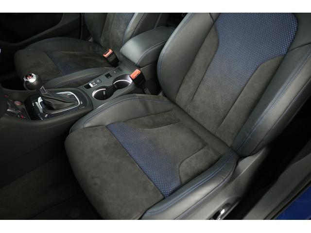 アウディ アウディ RS Q3 パフォーマンス RSパフォーマンスデザインPKG カーボンインテリアトリム