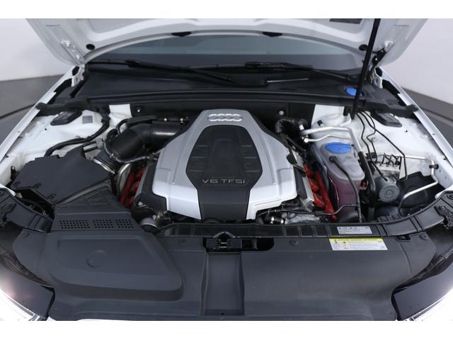 3.0L V型6気筒DOHC スーパーチャージャー、333ps/44.9kgm
