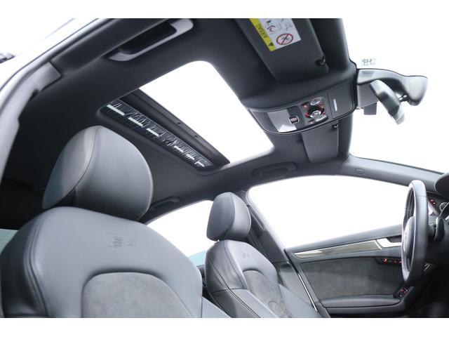 サンルーフが装備されておりますので、解放感のある車内でドライブをお楽しみ頂けます!