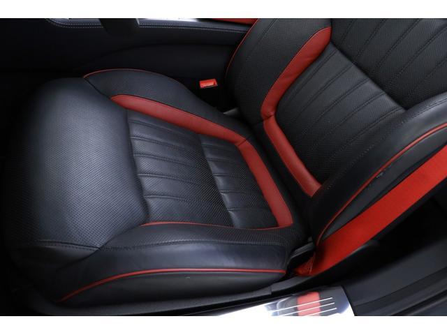 ドライバーズシートは綺麗な状態で、気になるヤレや汚れ等無くご安心頂けます!!