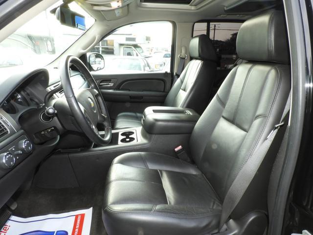 シボレー シボレー タホ Z71 4WD SDナビTV イカリングヘッドライト