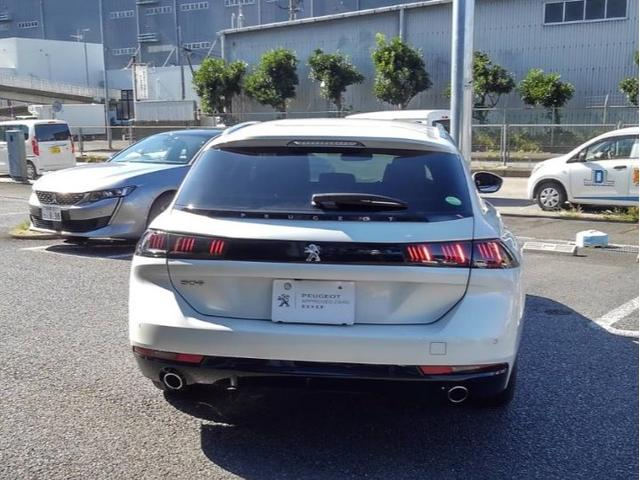 SW アリュール デモカー 新車保証継承 登録済未使用車(3枚目)