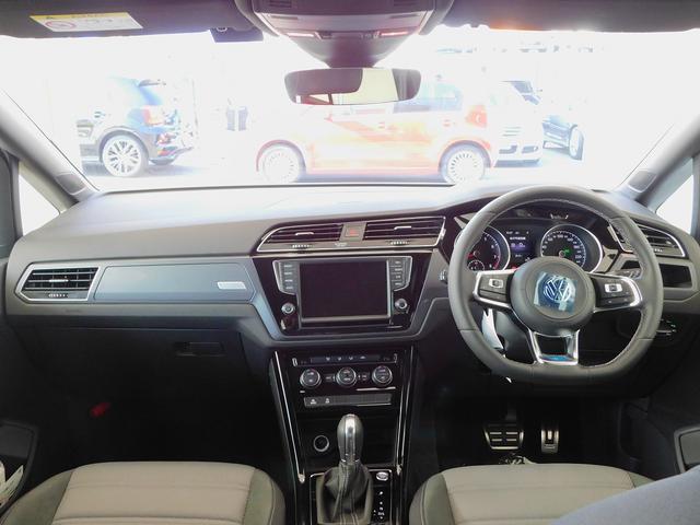 フォルクスワーゲン VW ゴルフトゥーラン Rライン 登録済み未使用車 純正フロアマット付 純正ナビ