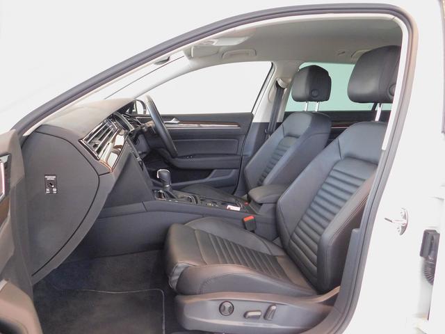 フォルクスワーゲン VW パサートヴァリアント TSIハイライン 黒革 純正ナビ LED フルセグ