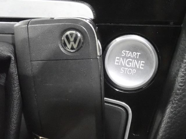 TSIハイラインブルーモーションテクノロジー 認定中古車 キセノンヘッドライト 純正SDナビ スマートキー ETC2,0 ワンオーナー 自動追従機能ACC(4枚目)