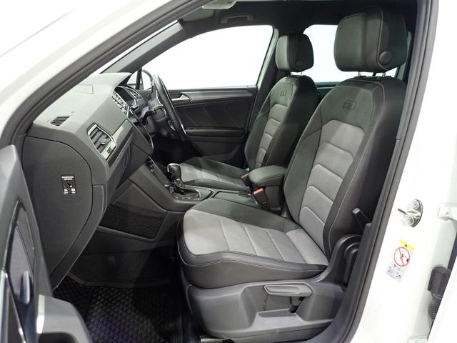 TSI Rライン 認定中古車 ワンオーナー LEDヘッドライト デジタルメーター スマートキー アラウンドビューモニター自動追従機能ACC 純正SDナビ(15枚目)