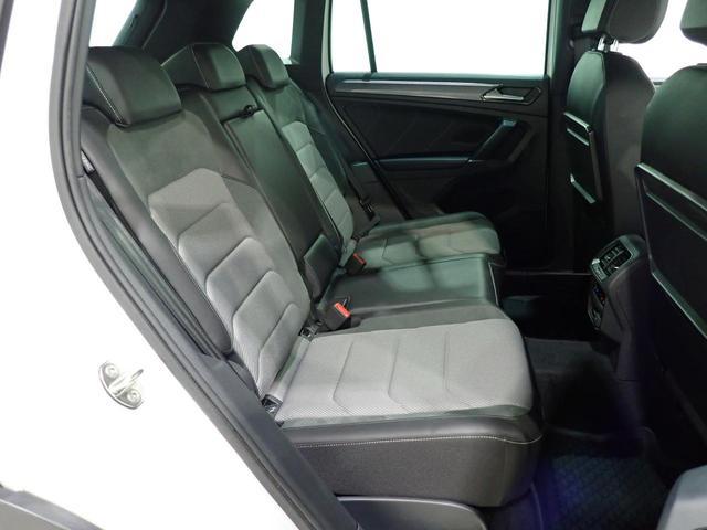 TSI Rライン 認定中古車 ワンオーナー LEDヘッドライト デジタルメーター スマートキー アラウンドビューモニター自動追従機能ACC 純正SDナビ(28枚目)