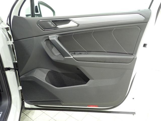 TSI Rライン 認定中古車 ワンオーナー LEDヘッドライト デジタルメーター スマートキー アラウンドビューモニター自動追従機能ACC 純正SDナビ(32枚目)