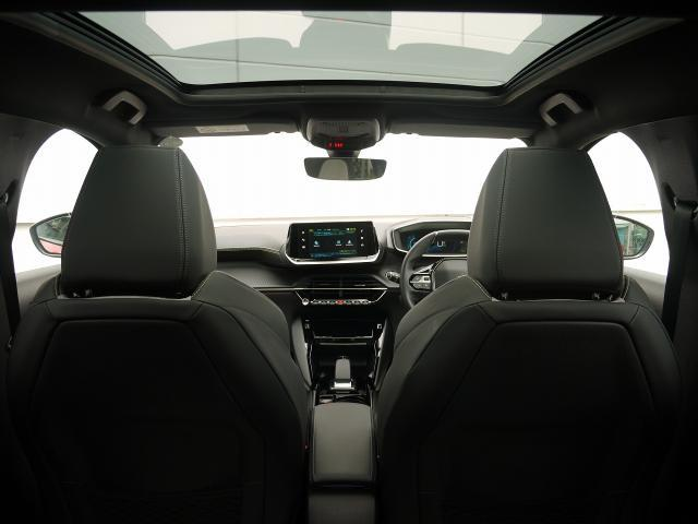 認定中古車ならではの安心と信頼のプジョーライフをお楽しみください。お客様のご来場をスタッフ一同心よりお待ちしております。