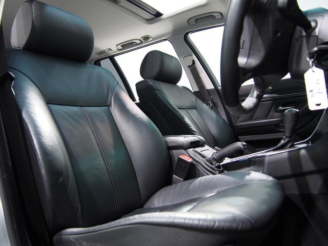 BMW BMW 525iツーリングハイライン黒革サンルーフXenonライト