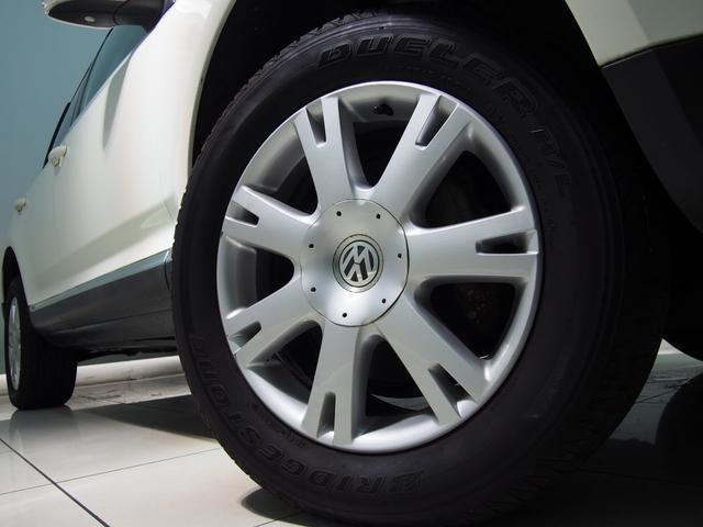 フォルクスワーゲン VW トゥアレグ V6黒革スマートキー純HDD地デジ18AWバックカメラ