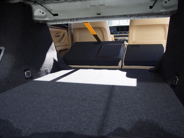 分割可倒式セカンドシートを前に倒せば広い荷物室が作れる!あらゆるシーンで活躍しますね!