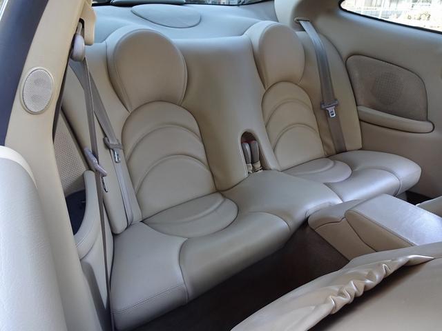 XKR 左ハンドル 04モデル 顧客買取車 ジャガー純正デトロイト20インチ 無償のOPとして純正ヒュドラ18インチ新品タイヤ付きに交換も可能 Rショック交換済 カシミア革 3連メーター化 6速AT(13枚目)