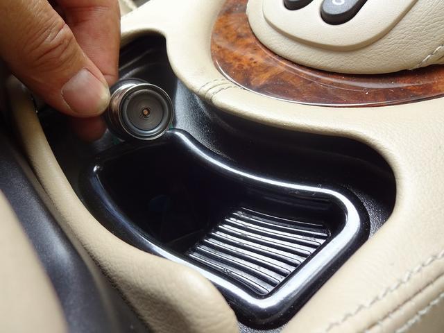 X308系 X100系では「灰皿の蓋の破損」が多く発生してしまいます。弊社で販売する車は全てケアー済みとなります。平素から目に止まる部分ですから・・・壊れているなんて有り得ません!!