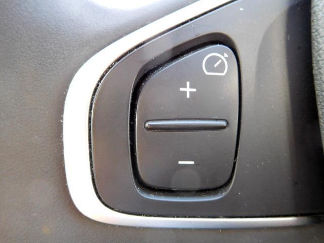 ルノー ルノー ルーテシア インテンス パックルージュ 新車保証継承 ワンオーナー 禁煙