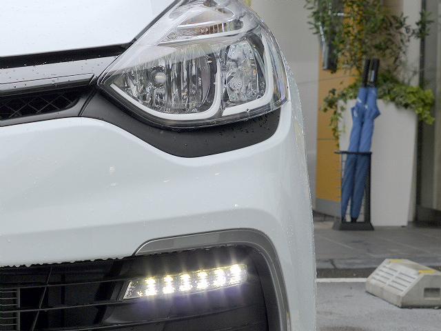 ルノー ルノー ルーテシア ルノースポール トロフィー 新車保証継承 ETC 禁煙車