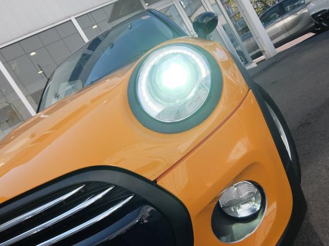 MINI MINI クーパー 2年保証付 純正ナビ LEDヘッドライト Bカメラ