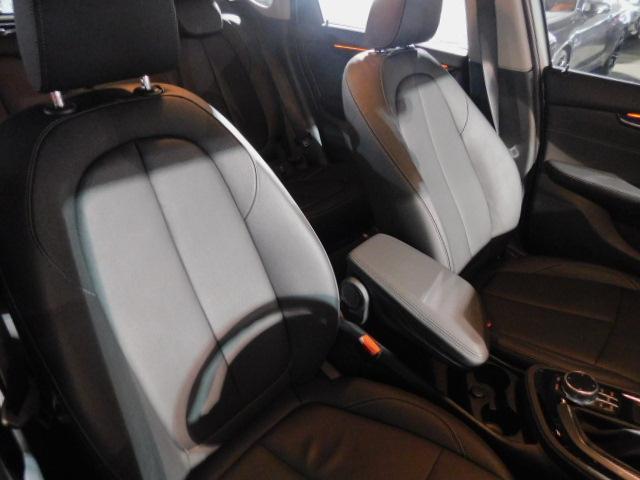 BMW BMW 218dアクティブツアラー ラグジュアリー 弊社デモカー