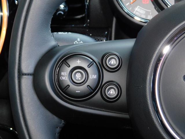クーパーD クラブマン 17AW コンフォートアクセス 黒革電動シート バックカメラ 前後センサー ACC シートヒーター LEDヘッドライト インテリジェントセーフティ(13枚目)