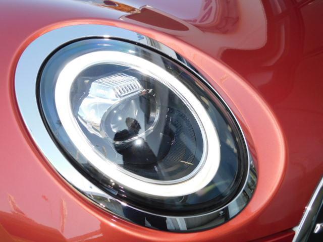 クーパーD クラブマン 17AW コンフォートアクセス 黒革電動シート バックカメラ 前後センサー ACC シートヒーター LEDヘッドライト インテリジェントセーフティ(16枚目)