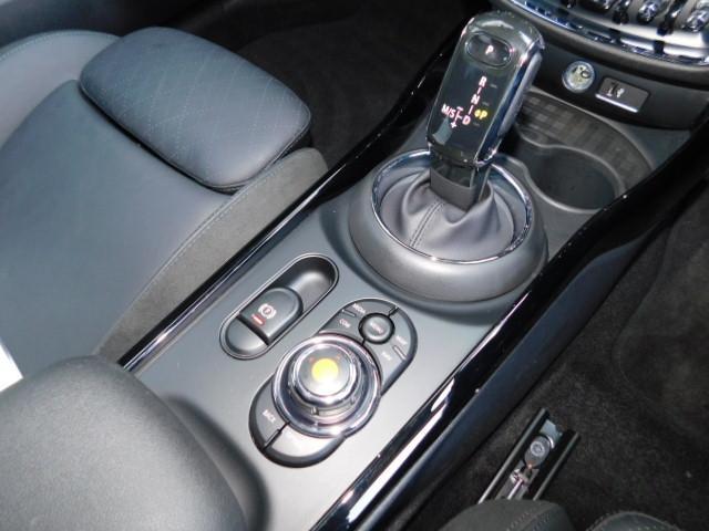 クーパーD クラブマン 17AW コンフォートアクセス 黒革電動シート バックカメラ 前後センサー ACC シートヒーター LEDヘッドライト インテリジェントセーフティ(17枚目)