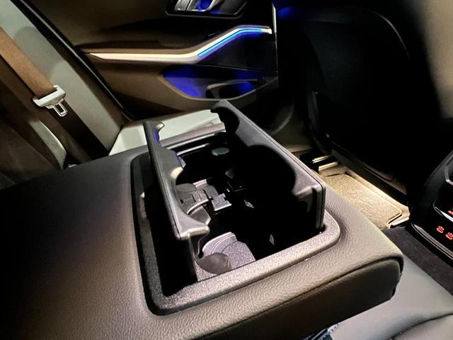 320i Mスポーツ コンフォートパッケージ LEDライト 18インチAW ハーフレザー電動シート シートヒーター 前後センサー バックカメラ オートトランク コンフォートアクセス Bluetooth 前車追従機能(13枚目)