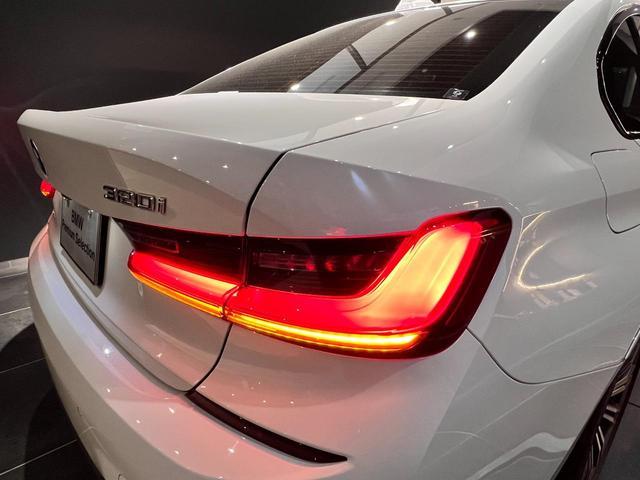 320i Mスポーツ コンフォートパッケージ LEDライト 18インチAW ハーフレザー電動シート シートヒーター 前後センサー バックカメラ オートトランク コンフォートアクセス Bluetooth 前車追従機能(40枚目)