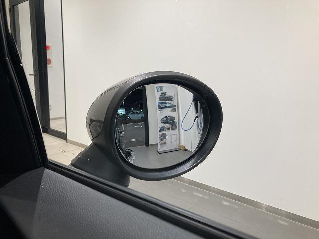 クーパーSD セブン ハーフレザーシート17インチアロイホイールLEDヘッドライトAUX/USBアイドリングストップ音楽ライブラリ後方障害物センサーブルートゥースバックカメラ(30枚目)