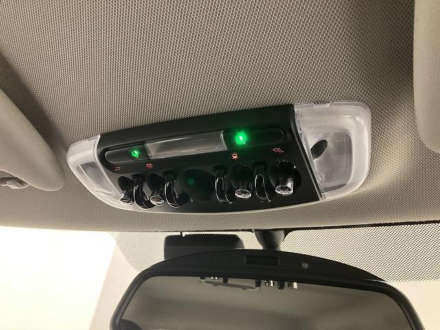 クーパーSD セブン ハーフレザーシート17インチアロイホイールLEDヘッドライトAUX/USBアイドリングストップ音楽ライブラリ後方障害物センサーブルートゥースバックカメラ(31枚目)