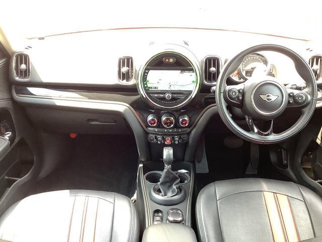 クーパーD クロスオーバー ペッパーパッケージ 前車追従機能 バックカメラ 後方センサー LEDヘッドライト 18インチAW コンフォートアクセス オートトランク Bluetooth ブラックミラーキャップ ミラーETC(8枚目)