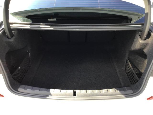 320d xDrive Mスポーツ 18インチアロイホイールLEDヘッドライト前後障害物センサーハーフレザー電動シート後退アシストパドルシフトUSBオートトランク音楽ライブラリバックカメラ(20枚目)