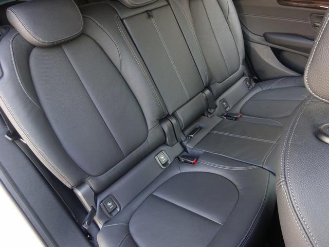 当社認定中古車は最大100項目の箇所を徹底的にチェック致します。機械的箇所や電気系などを詳細に点検。交換基準に達した部品は整備した後にご納車致します。(年式・装備により整備内容が異なる場合がございます