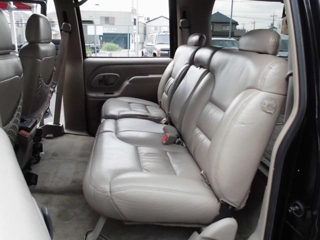 シボレー シボレー サバーバン リフトアップ4WD Fベンチシート 地デジナビ 1年保証