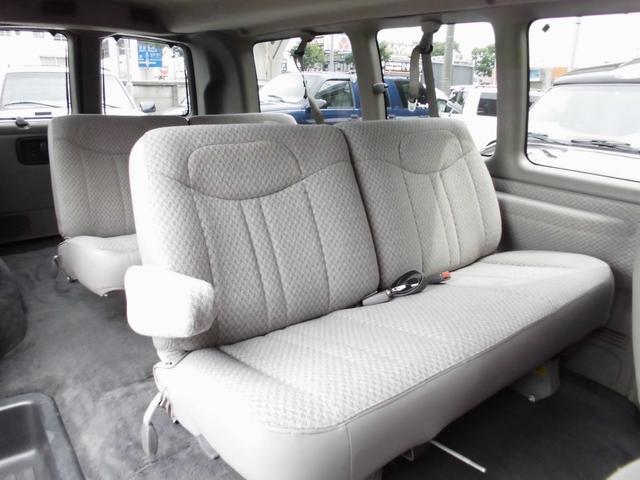 シボレー シボレー エクスプレス ノーマルLS 社外16黒アルミ フルフラットシート 1年保証
