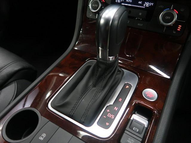 ●横滑り防止装置『トラクションコントローロールを介して車両の制御を行ってくれます。』