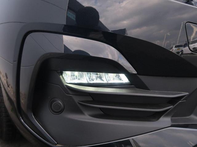 ●LEDフロントフォグライト『ヘッドライトの色味とマッチしており夜と路面を明るく照らしてくれます。』