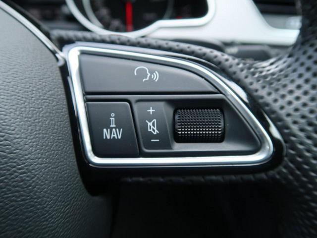 『ステアリングにオーディオのボリュームスイッチが付いておりますので、走行中もお手元で安全に操作が可能になります!』