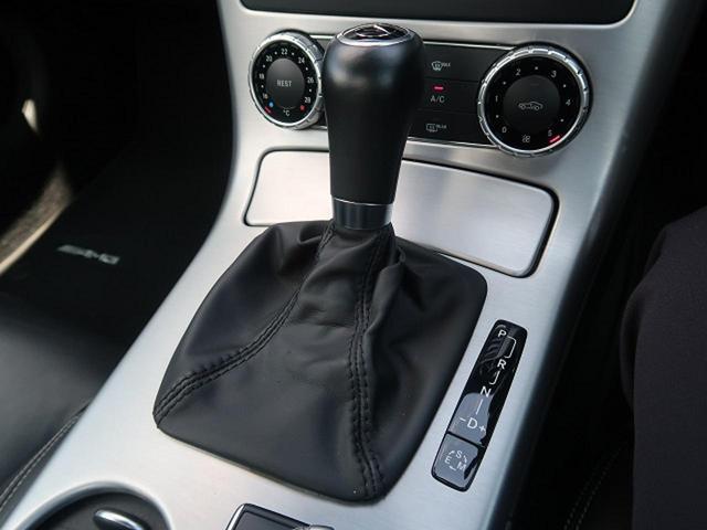 ●7速AT『走りのマニュアルモード付AT!国産車とは一線を画す輸入車ならではの爽快な走りをお楽しみ頂けます!』
