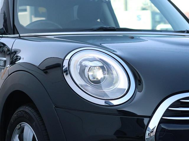 ●LEDヘッドライト『ハロゲンの数倍の明るさを誇る高寿命LEDンヘッドライトで、安全運転を支える良好な視界を!』