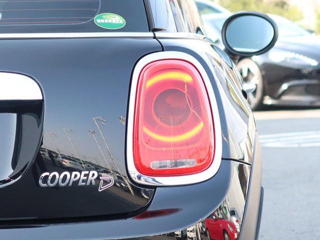 ●リアテールランプ『全車修復歴なし鑑定付きの良質なお車のみを厳選して展示しております!』