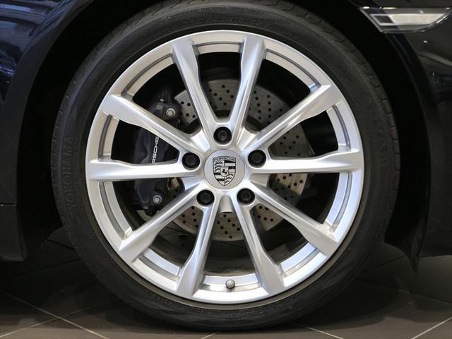 718ボクスター 2017年モデル 右H ポルシェ認定中古車保証 19インチボクスターSホイール スポーツクロノパッケージ GTスポーツステアリング シートヒーター 前後パークセンサー+バックカメラ オートエアコン(20枚目)