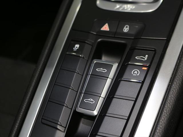 718ボクスター 2017年モデル 右H ポルシェ認定中古車保証 19インチボクスターSホイール スポーツクロノパッケージ GTスポーツステアリング シートヒーター 前後パークセンサー+バックカメラ オートエアコン(22枚目)