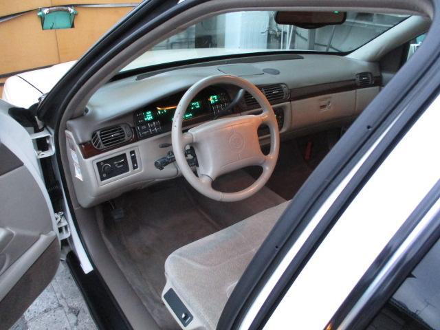 正規D車フロントベンチシート 右H 禁煙 地デジSDナビ エアコン、オイル漏れ修理車両が 驚きの車輌価格でご案内