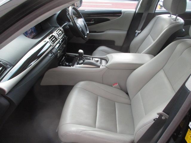 LS460 バージョンL 黒革BSMブランドスポットモニター 禁煙オートトランク エアロ地デジSDナビBカメラ全席パワーシート全席シートエアコンスマートキー(12枚目)