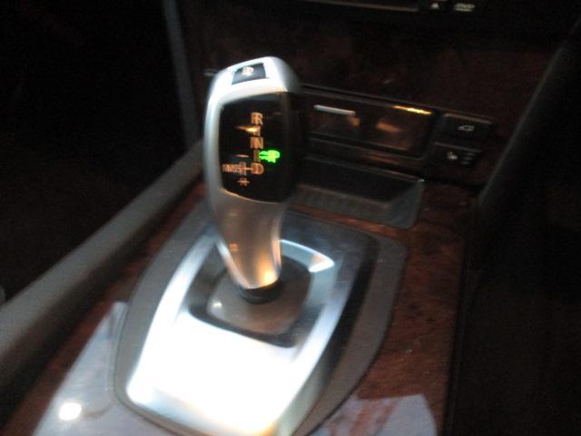 525iハイラインパッケージ 後期 サンルーフ 黒革 HDDナビ CD スマートキーレス クルーズコントロール ETC シートヒーター パワーシート HID 17AW(25枚目)
