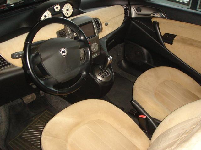 「ランチア」「ランチア イプシロン」「コンパクトカー」「千葉県」の中古車29
