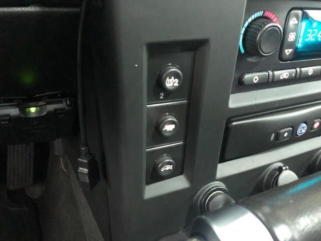 ラグジュアリーPKG 新並 サンルーフ シートヒーター スカイパフォーマンス26インチAW BOSEサウンド リヤシートヒーター 純正エアサスペンション バックカメラ 1人掛けサードシート 社外LEDヘッドライト HIDフォグライト LEDパーク&シグナル(25枚目)