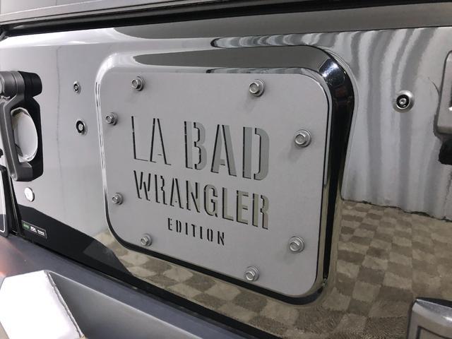 LA BAD WRANGLERコンプリートモデルだけに装着される特別なテールゲートプレート。もちろん部品だけ購入することは出来ませんので、コンプリートモデルのオーナー様だけの特権となります。