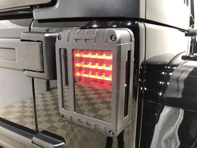 LEDテールは簿で気に合わせ、スモークタイプ。ブレーキを踏めばLEDが光方法の安全はもちろん、デザイン性も高くなってます。