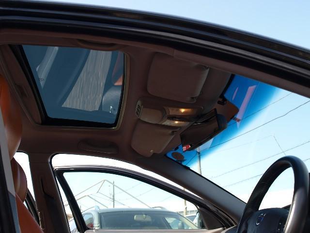 ボルボ ボルボ V70 R限定車 ナチュラルハイドレザー全席レザーレストア済み